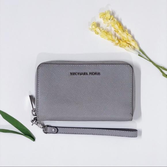 a25128b28c18 Michael Kors Bags | Mk Jet Set Saffiano Leather Phone Wristlet ...